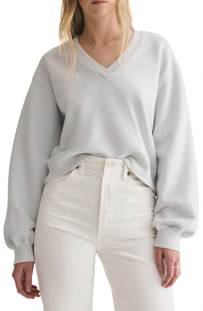 This image has an empty alt attribute; its file name is Balloon-Sleeve-Crop-Cotton-Sweatshirt-668x1024.jpeg