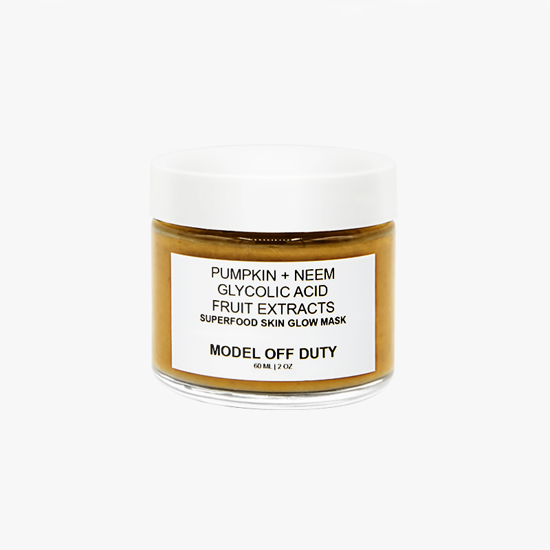 Model Off Duty Beauty's Superfood Skin Glow Mask