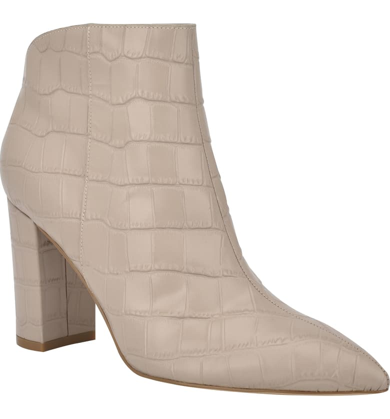 This image has an empty alt attribute; its file name is Unno-Pointed-Toe-Bootie.jpeg
